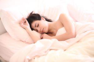 Zdravý spánek pro hubnutí nezáleží jen na dobré matraci