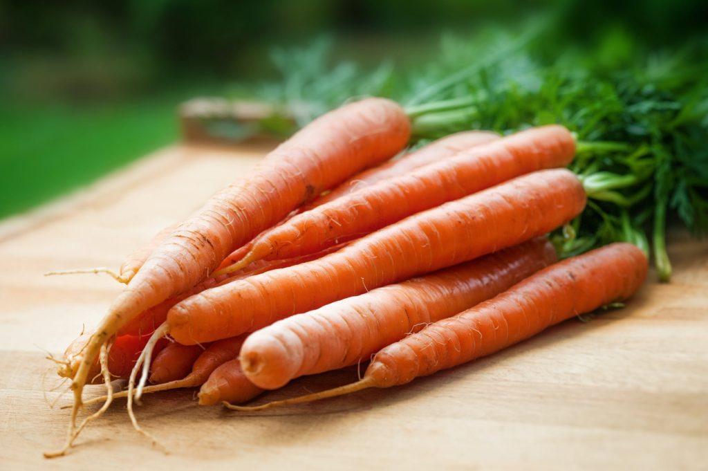 Mrkev je dobrá pro vitamin A, a ještě vyšší obsah mají třeba sladké brambory neboli batáty